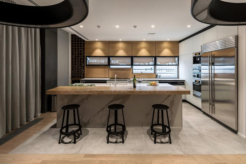 Cozinha moderna à moda fotos de stock
