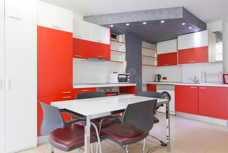 Cozinha moderna colorida fotos de stock royalty free