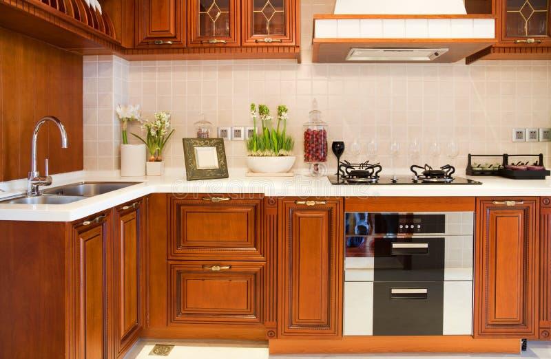 Cozinha moderna da cereja foto de stock royalty free