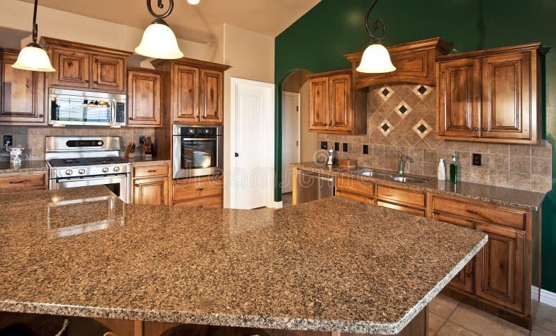 Cozinha moderna Home nova foto de stock royalty free