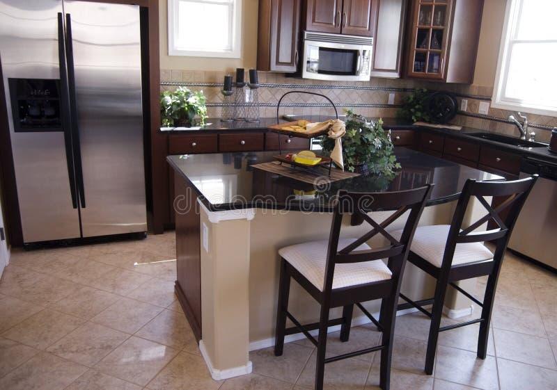 Cozinha moderna luxuosa foto de stock
