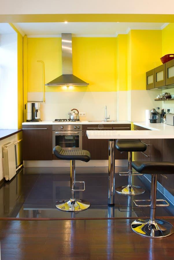 Download Cozinha no apartamento foto de stock. Imagem de preto - 26500282