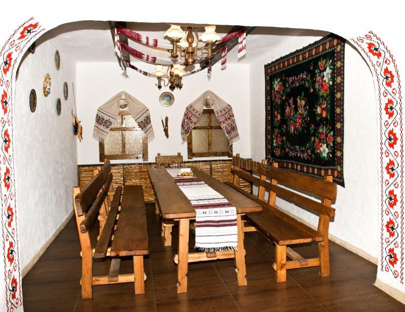 A cozinha no estilo velho do Slavic imagens de stock