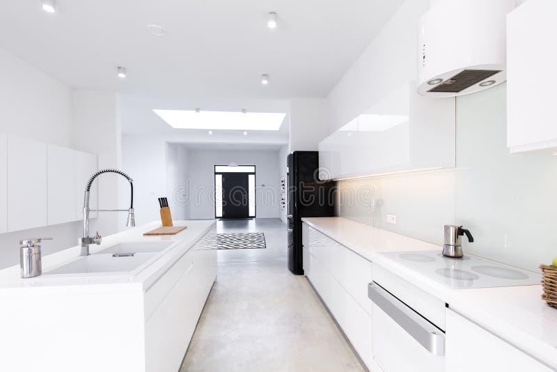 Cozinha perfeitamente projetada foto de stock royalty free