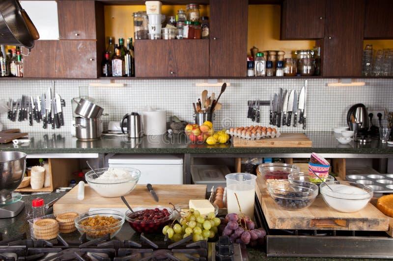 Cozinha pronta para ser usado fotografia de stock royalty free