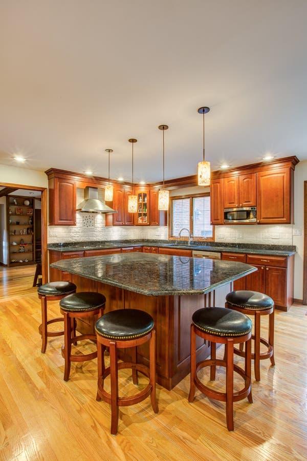 Cozinha recentemente terminada foto de stock royalty free