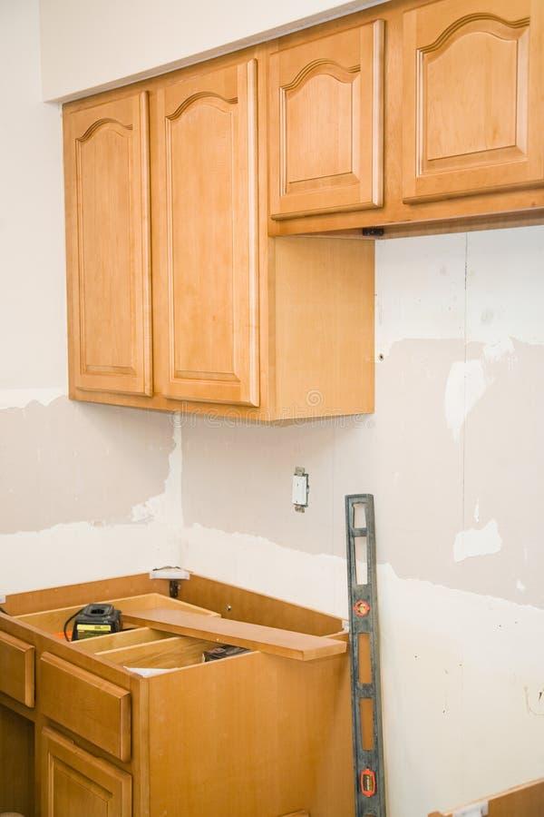 A cozinha remodela - gabinetes foto de stock royalty free