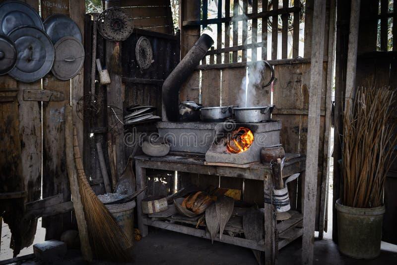 Cozinha tradicional no porvince de Ben Tre fotos de stock