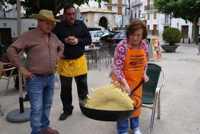 Cozinhando a competição em Cazorla, Jae'n, a Andaluzia fotografia de stock