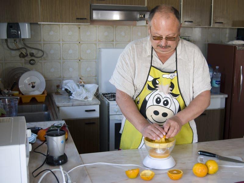 Cozinhando O Homem Imagem de Stock Royalty Free