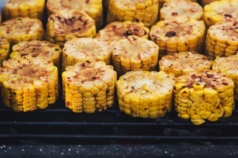 Cozinhando o quadro Alimento delicioso na grade imagem de stock royalty free