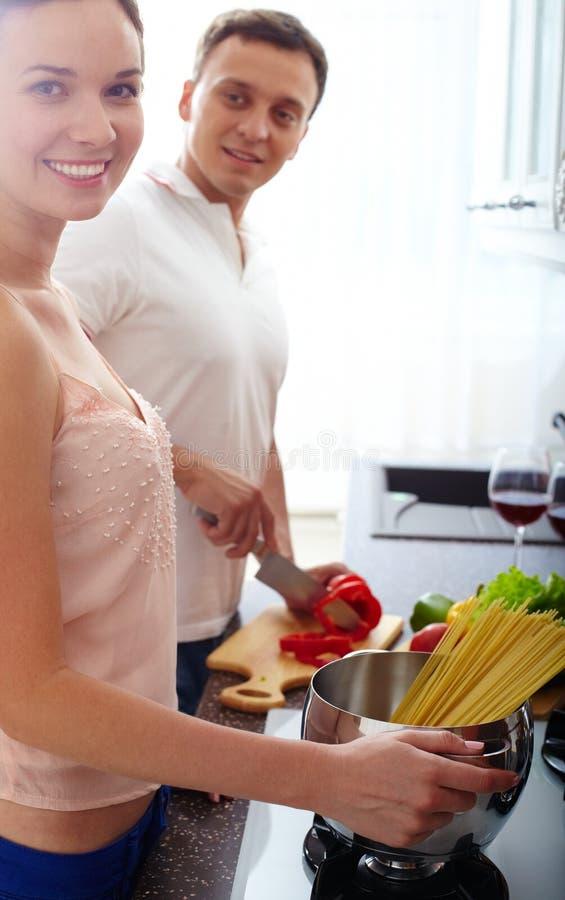 Cozinhando Pares Foto de Stock