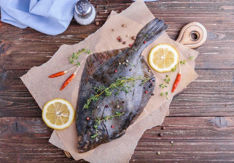 Cozinhando peixes da solha foto de stock royalty free