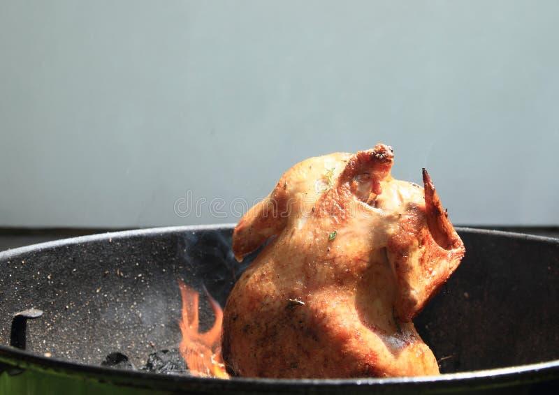 Cozinhar a galinha pode sobre fotos de stock royalty free
