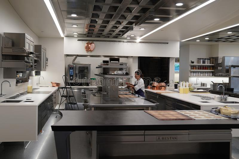 Cozinhe na cozinha do restaurante de três Michelin Stars a lavanderia francesa em Yountville, Napa Valley fotografia de stock
