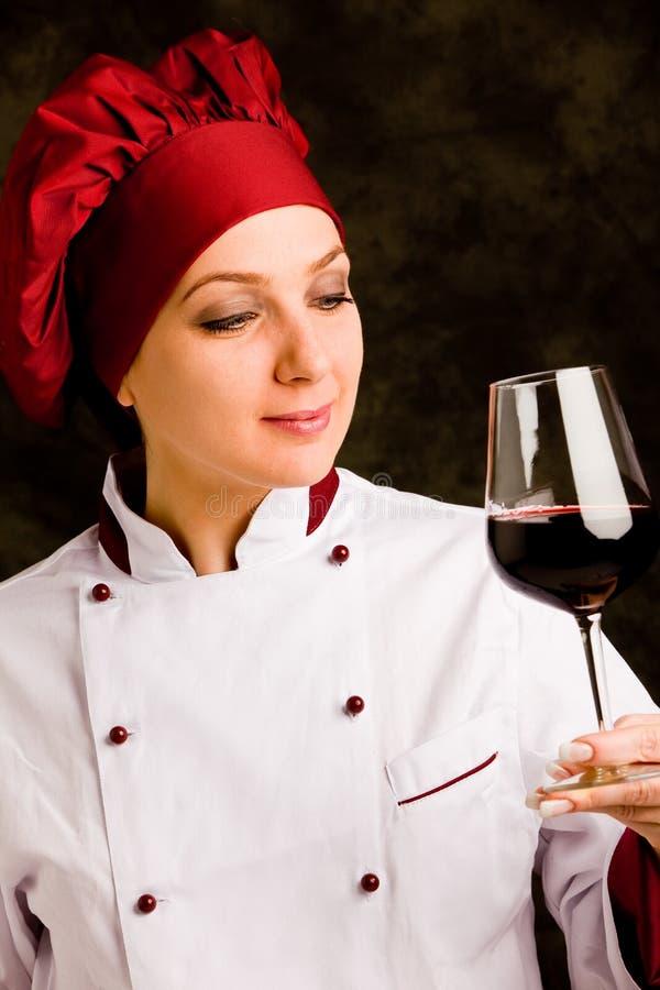 Cozinheiro chefe Somelier com vidro do vinho imagem de stock royalty free