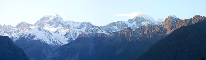 Cozinheiro da montagem na vista panorâmico Nova Zelândia imagem de stock
