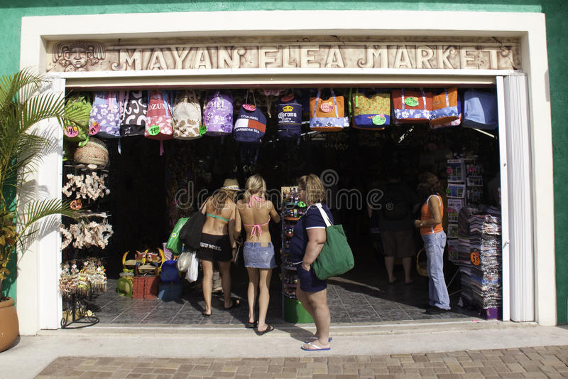 Cozumel México - mercado da compra da lembrança foto de stock