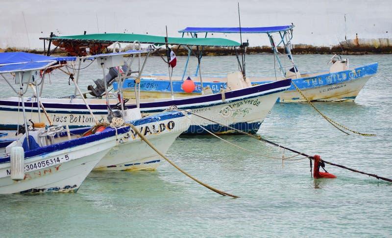 COZUMEL - MARZ 6 : Vue du port sur Cozumel Mexique L'île est située 10 milles à l'est de Playa del Carmen dans le Golfe images libres de droits