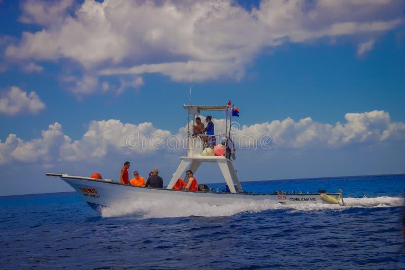 COZUMEL, MEXIQUE - 23 MARS 2017 : Une des destinations supérieures de plongée dans le monde pour ses récifs coraliens de livre de photo libre de droits