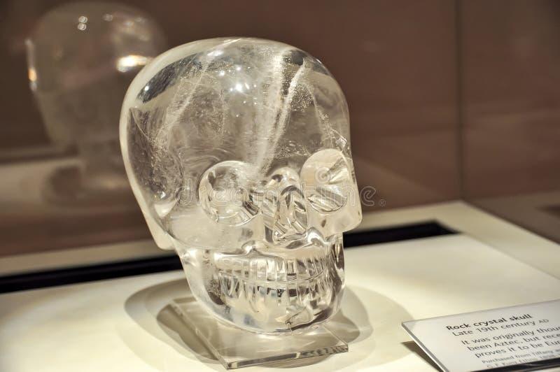 Cráneo del cristal de roca en el museo británico, Londres, Reino Unido fotos de archivo