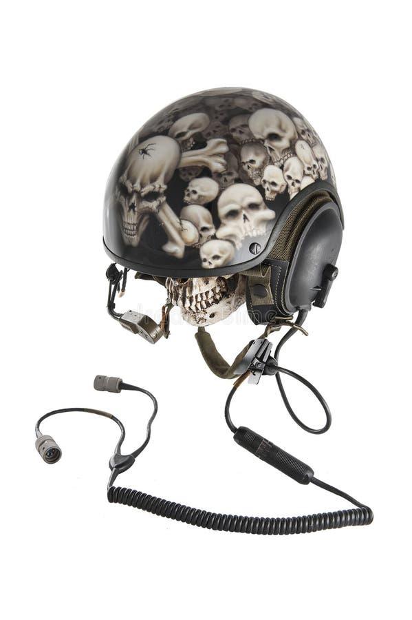 Cráneo dentro del casco de los conductores del tanque fotografía de archivo libre de regalías