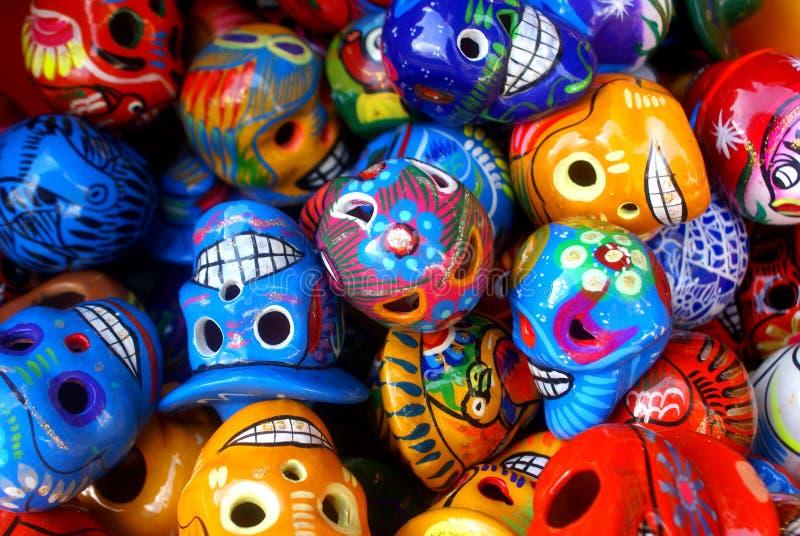 Cráneos coloridos foto de archivo