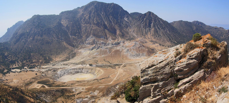 Cráter de Nissiros fotos de archivo libres de regalías