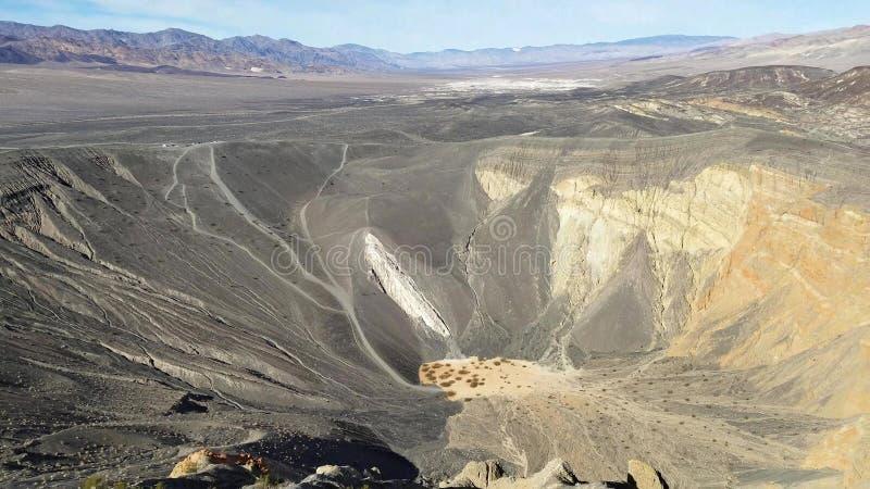 Cráter de Ubehebe en el parque nacional de Death Valley, California imagen de archivo libre de regalías