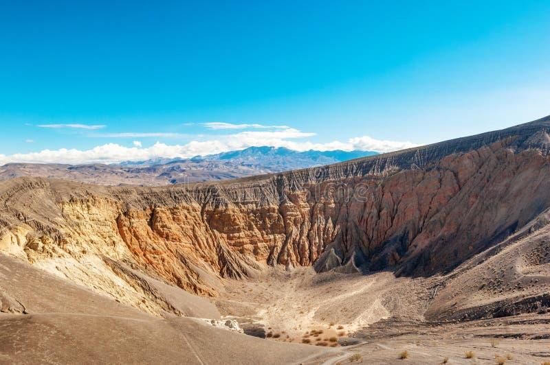 Cráter de Ubehebe en el parque nacional de Death Valley fotografía de archivo libre de regalías