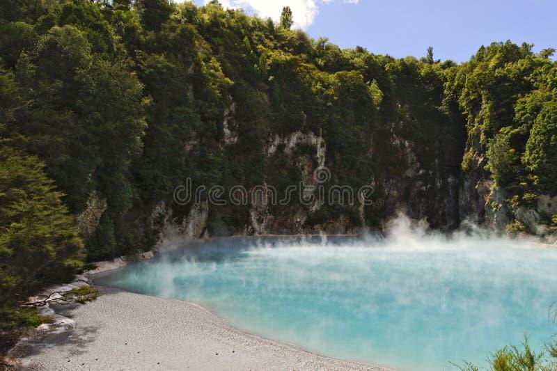 Cráter del infierno, Waimangu imagen de archivo libre de regalías