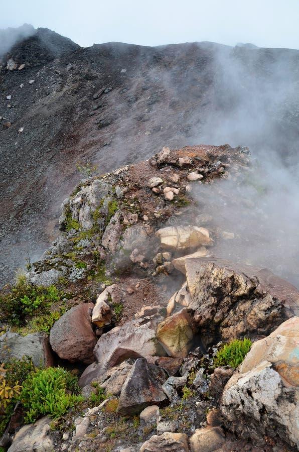 Cráter del volcán activo Yzalco fotos de archivo