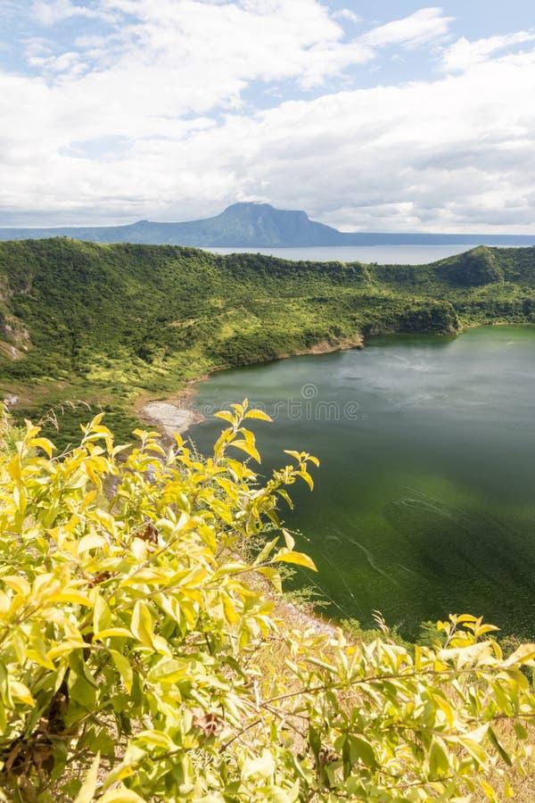 Cráter del volcán de Taal imagen de archivo libre de regalías