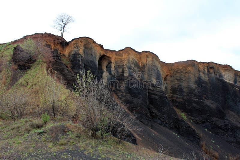 Cráter del volcán del extict de Racos - parque geológico imagen de archivo