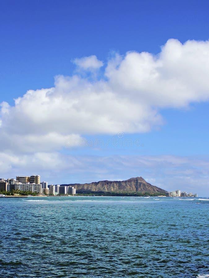 Cráter principal y Waikiki del diamante en Honolulu Hawaii fotos de archivo