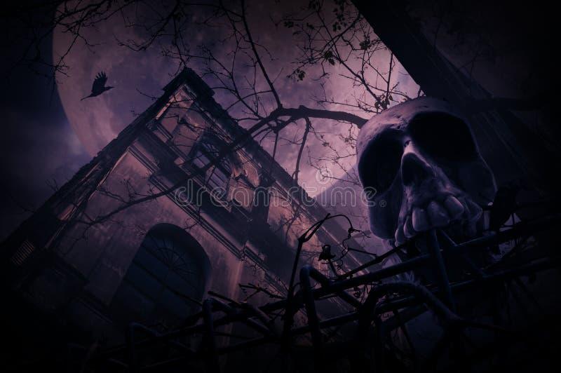 Crânio humano com a cerca velha sobre o castelo do grunge, árvore inoperante, pássaro f fotografia de stock
