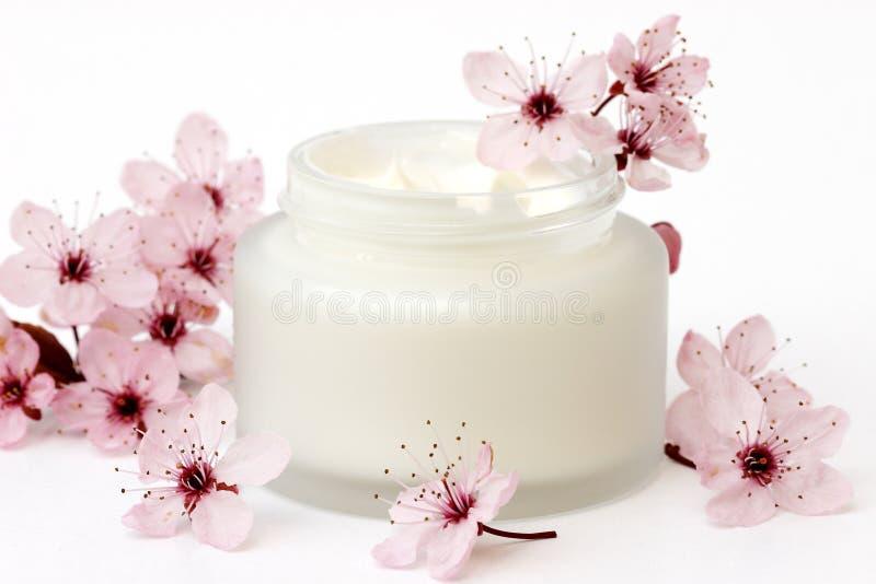 Download Crème photo stock. Image du mode, bathroom, propre, hygiène - 4350606