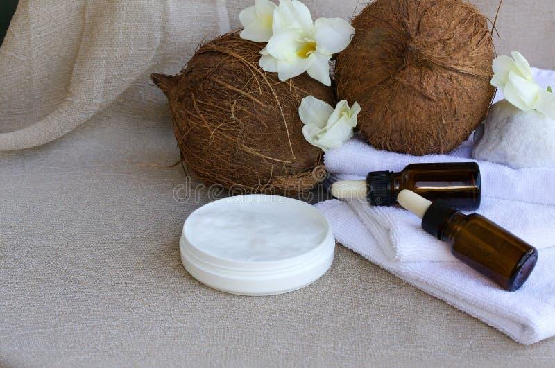 Crème corporelle de beurre de noix de coco image libre de droits