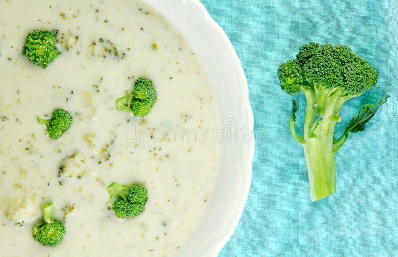 Crème de potage de broccoli photographie stock libre de droits