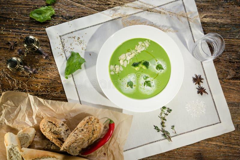 Crème de potage de broccoli image stock
