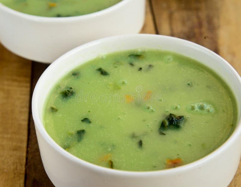 Crème de soupe à épinards photographie stock libre de droits