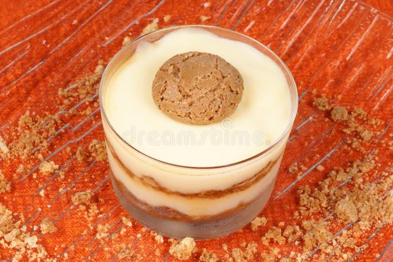 Crème de vanille et dessert d'amaretti photos libres de droits