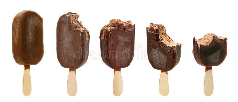 Crème glacée mordue d'isolement sur le blanc photos libres de droits