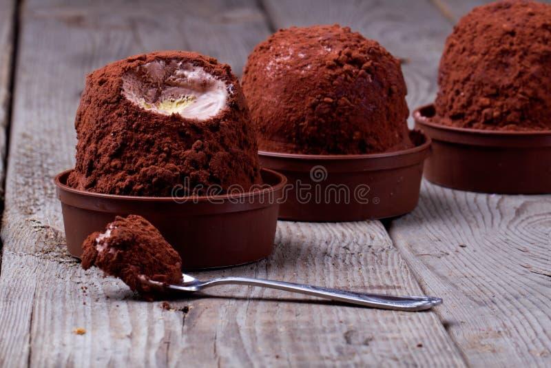 Crème glacée, tartufo photographie stock