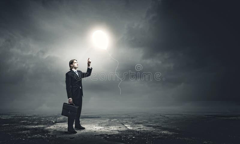 Créativité et séance de réflexion photos stock