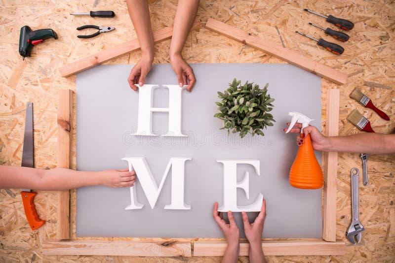 Créez le mot à la maison photo stock