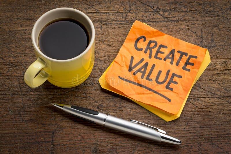 Créez le rappel de valeur sur la note collante photos stock