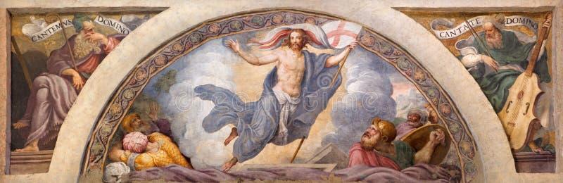 CRÉMONE, ITALIE, 2016 : Le freso de la résurrection de Jésus en Di Santa Rita de Chiesa par Giulio Campi (1547) image stock