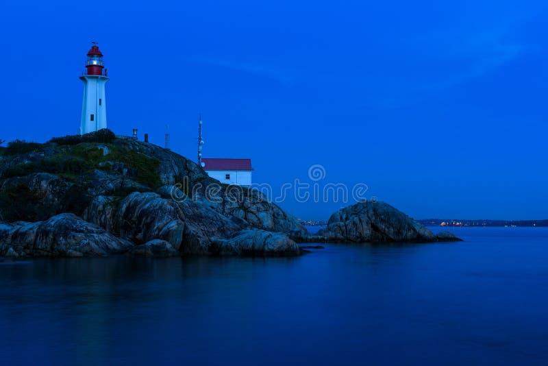 Crépuscule au phare d'Atkinson de point, Vancouver occidental, Canada photo stock