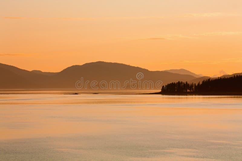 Crépuscule dans le Golfe de l'Alaska images libres de droits